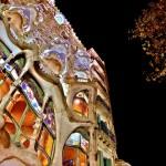 30-Дом Бальо в Барселоне. Вид ночью